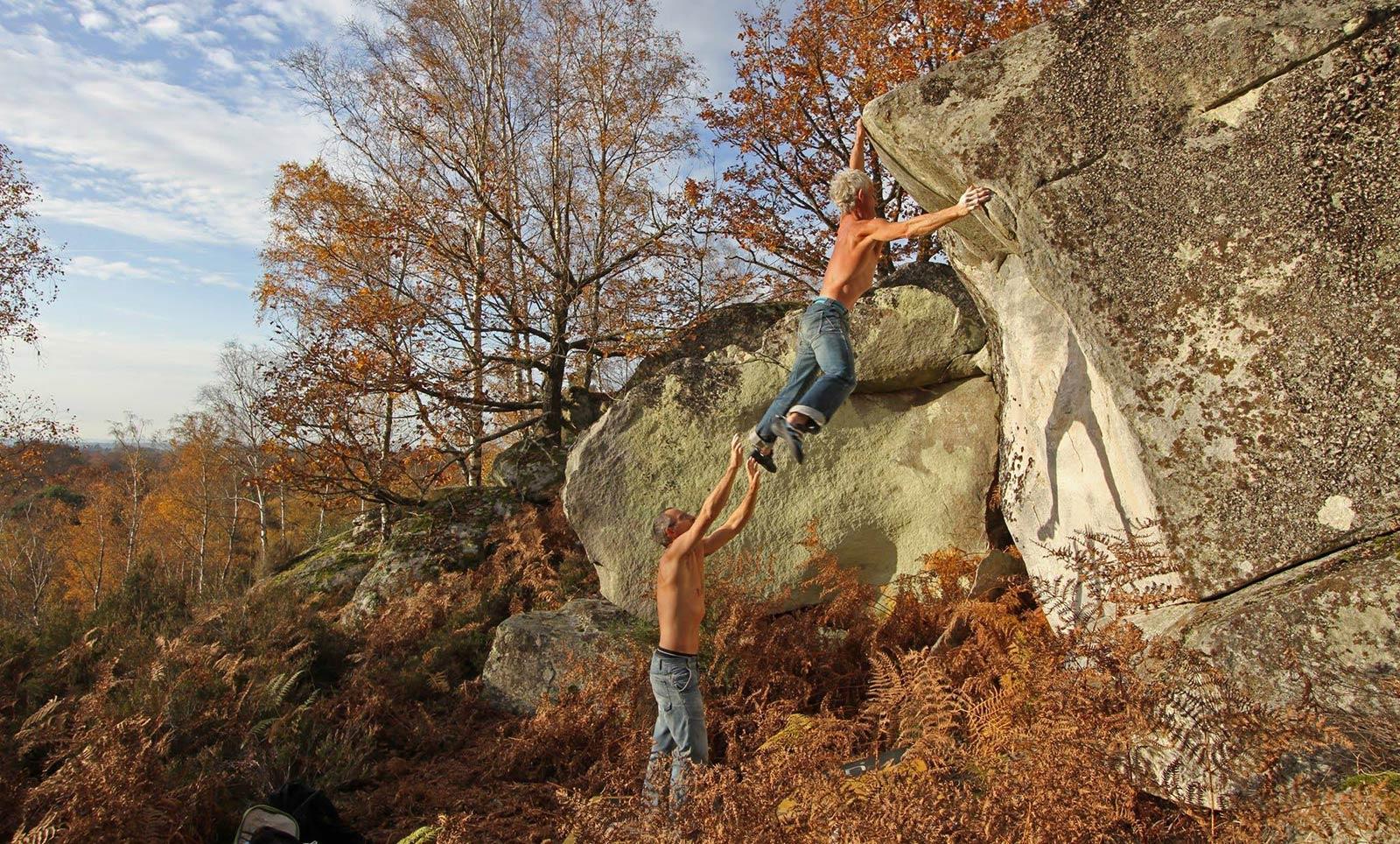 Bouldering in Fontainebleau: Figure imposée, 6C - Cuvier ouest